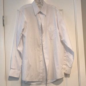 Men's white dress shirt in size 15.5, 34/35